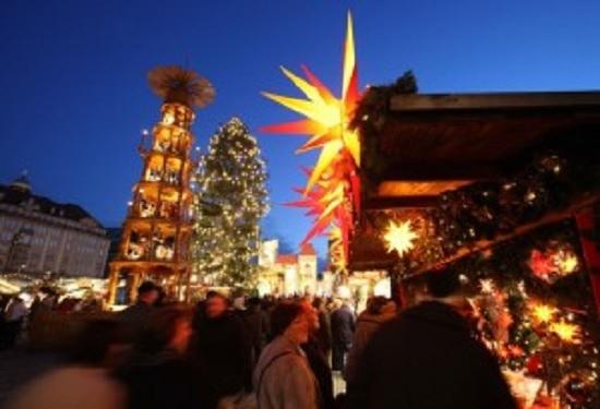 Christmas Tour Moravian Stars
